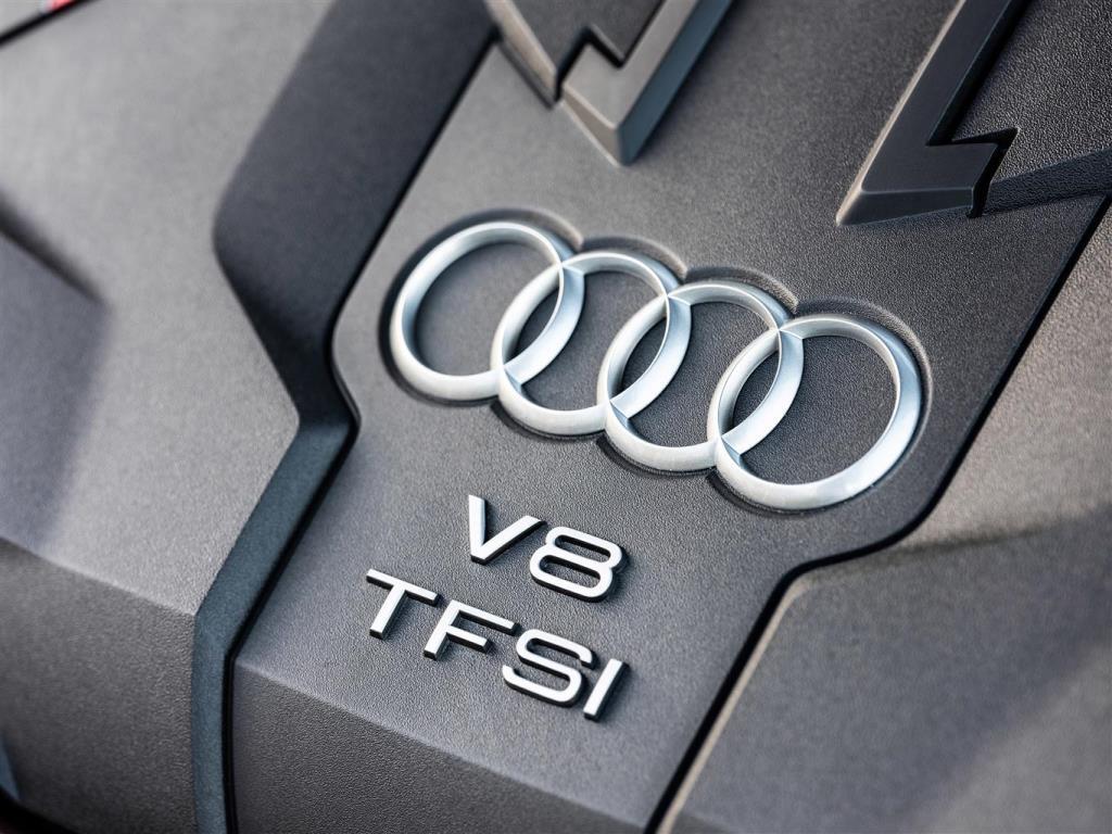 media-Audi-S8_0010