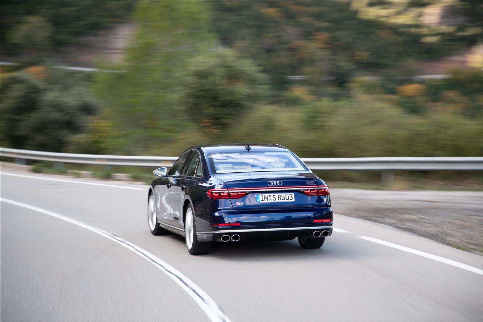 media-Audi-S8_002