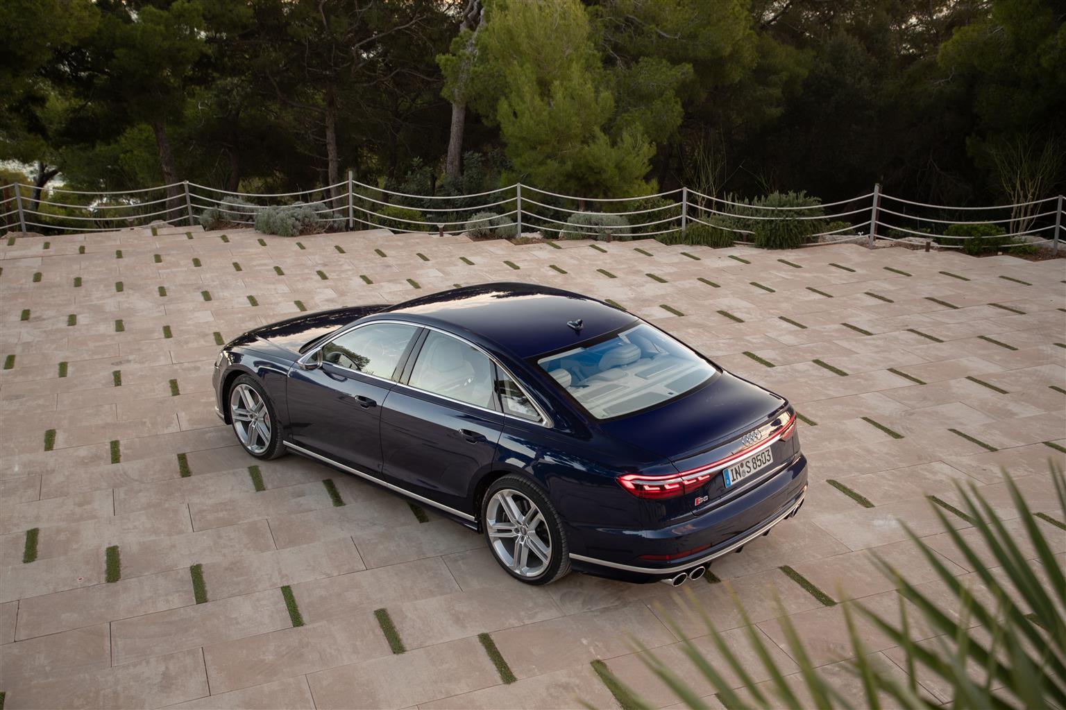 media-Audi-S8_005