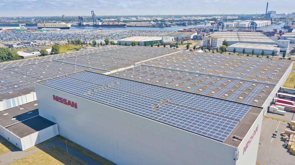 Solar roof installed at Nissan Motor Parts Center (Amsterdam)