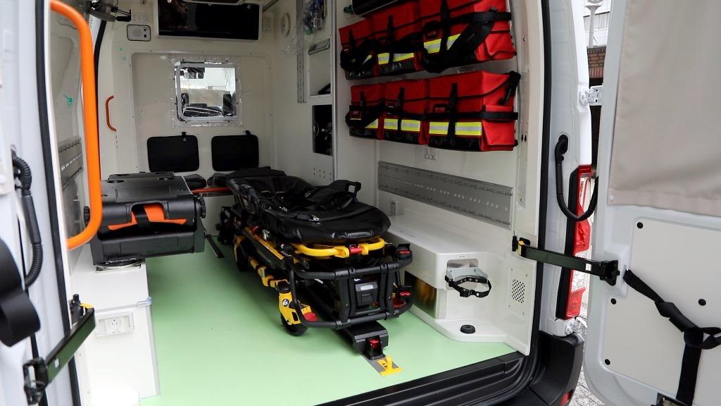 nissan_nv400_ambulanza_tokyo_electric_motor_news_02