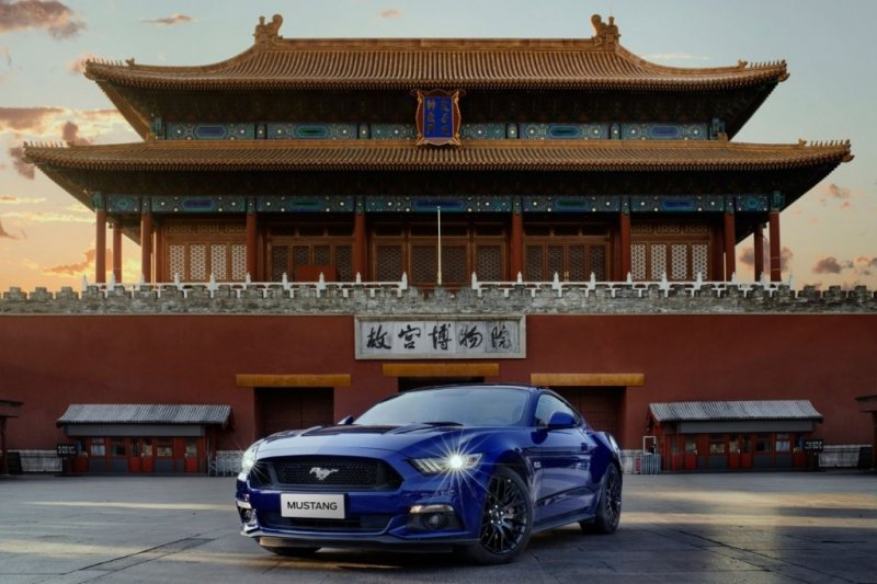 ford-mustang_100552507_l
