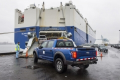 2017-ford-f-150-raptor-supercrews-being-shipped-to-china_100590936_l