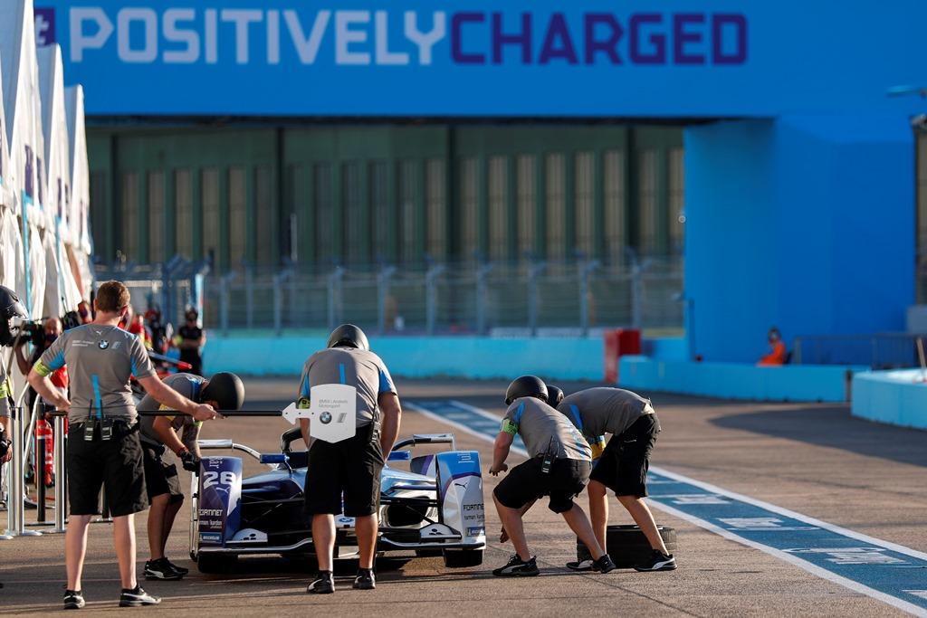 Maximilian Günther (DEU), BMW I Andretti Motorsports, BMW iFE.20 makes a pitstop