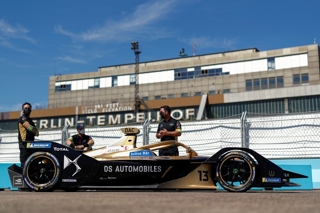 Mechanics with Antonio Félix da Costa's (PRT), DS Techeetah, DS E-Tense FE20