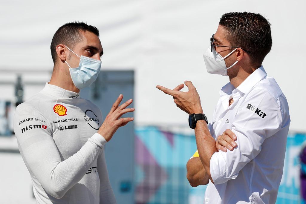 Sébastien Buemi (CHE), Nissan e.Dams chats with Edoardo Mortara (CHE) Venturi