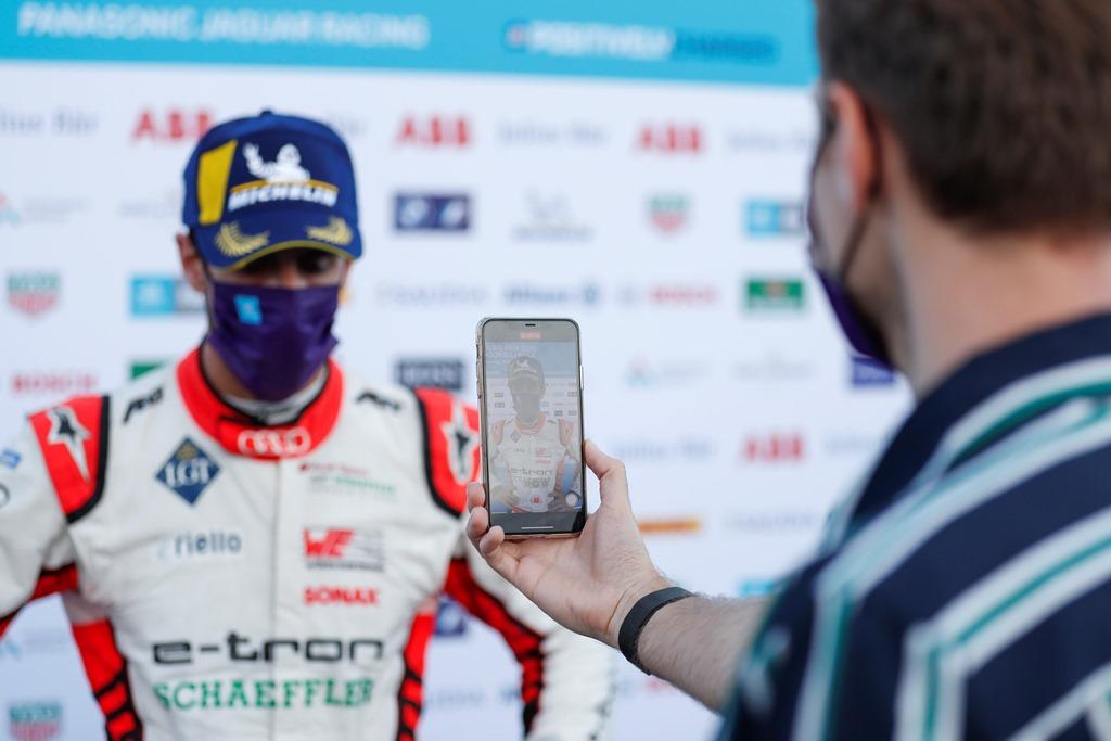 Lucas Di Grassi (BRA), Audi Sport ABT Schaeffler, 3rd position, talks to the press