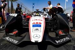 Edoardo Mortara (CHE) Venturi, EQ Silver Arrow 01 on the grid with team members