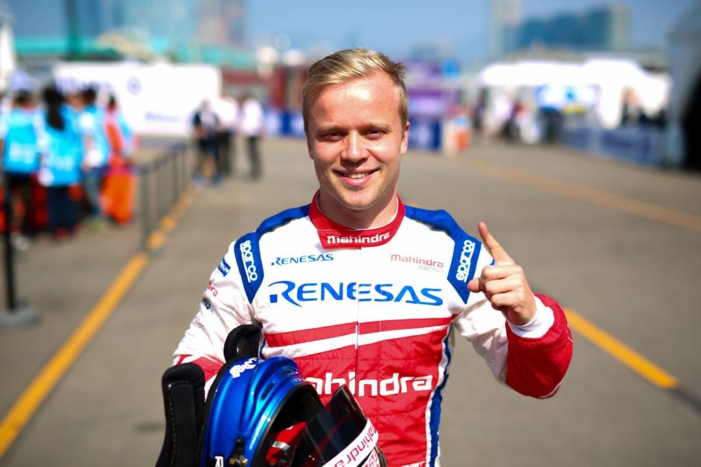 | Driver: Felix Rosenqvist| Team: Mahindra Racing| Number: 19| Car: M4 Electro|| Photographer: Shivraj Gohil| Event: Hong Kong ePrix| Circuit: Hong Kong Central Harbourfront Circuit| Location: Hong Kong| Series: FIA Formula E| Season: 2017-2018| Country: China|| Session: Qualifying|