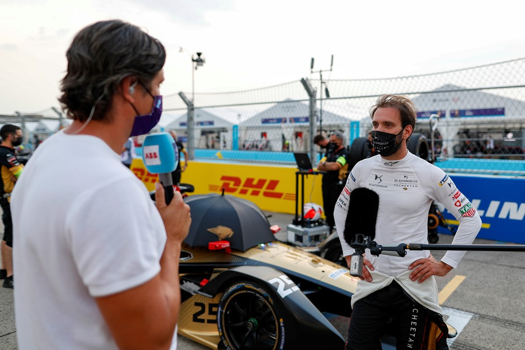 TV Presenter Vernon Kay interviews Jean-Eric Vergne (FRA), DS Techeetah on the grid