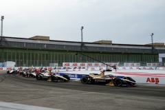 Jean-Eric Vergne (FRA), DS Techeetah, DS E-Tense FE20 and Antonio Félix da Costa (PRT), DS Techeetah, DS E-Tense FE20 lead the field