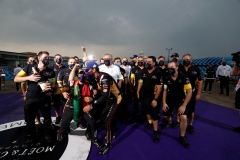 Antonio Félix da Costa (PRT), DS Techeetah and Jean-Eric Vergne (FRA), DS Techeetah, celebrate with the team after finishing 2nd and 1st