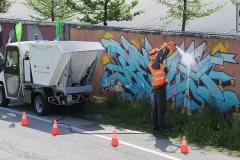 Veicoli con idropulitrice e vasca raccolta rifiuti