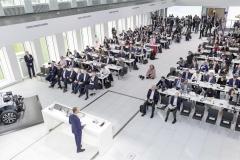volkswagen_pianifica_22_milioni_ev_electric_motor_news_01