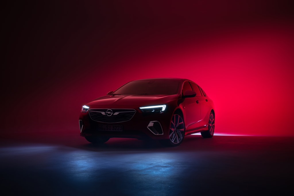 Opel-Insignia-GSi-IntelliLux-LED-Matrix-Light-502840