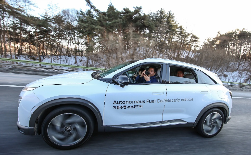 hyundai_nexo_fuel_cell_autonomous_drive_electric_motor_news_02
