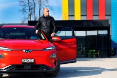 bertrand_piccard_hyundai_kona_electric_motor_news_01