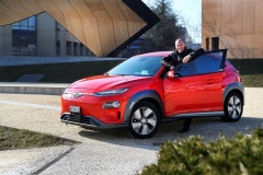 bertrand_piccard_hyundai_kona_electric_motor_news_02