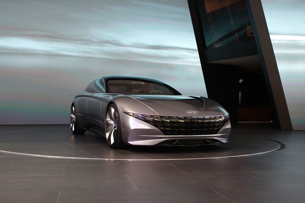 hyundai_le_fil_rouge_concept_car_electric_motor_news_04