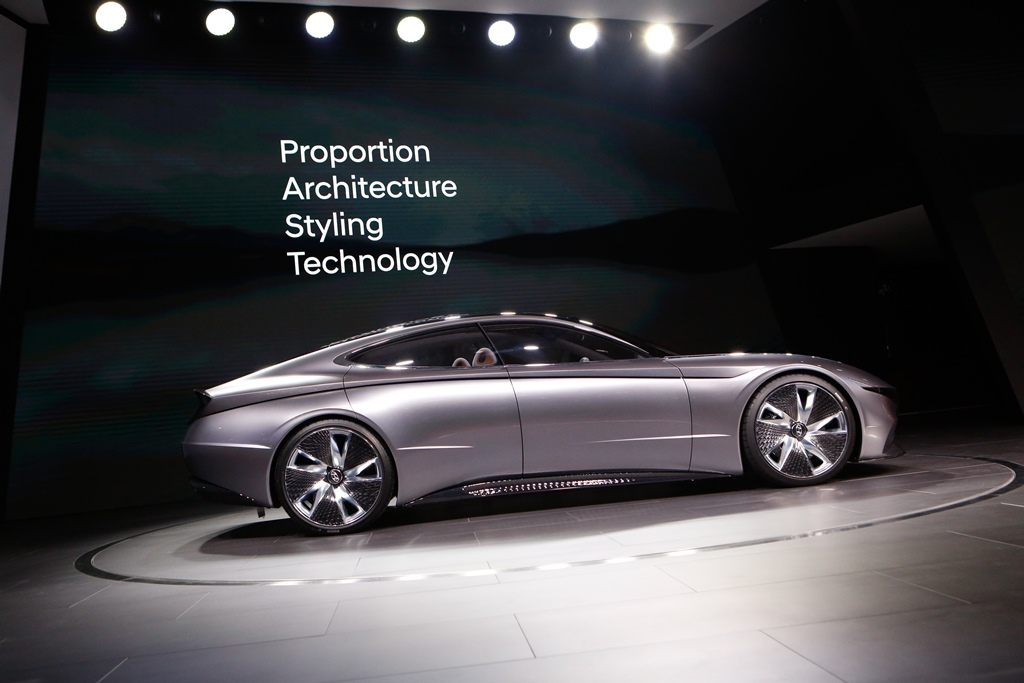hyundai_le_fil_rouge_concept_car_electric_motor_news_09