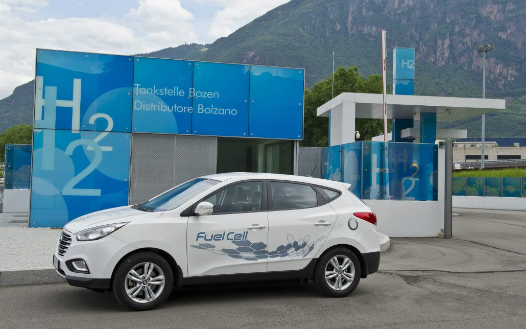 hyundai_ix35_fuel_cell_tour_electric_motor_news_01