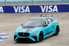jaguar_i-pace_etrophy_debut_berlino_electric_motor_news_01