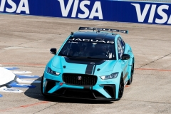 jaguar_i-pace_etrophy_debut_berlino_electric_motor_news_03