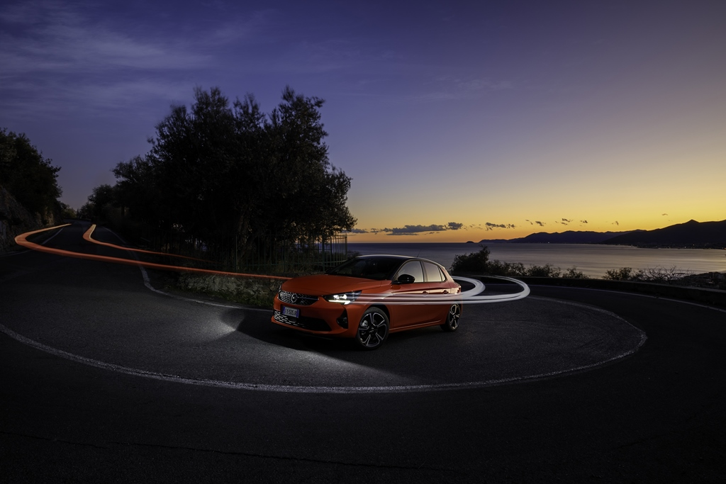 Opel-Corsa-Intellilux-510843