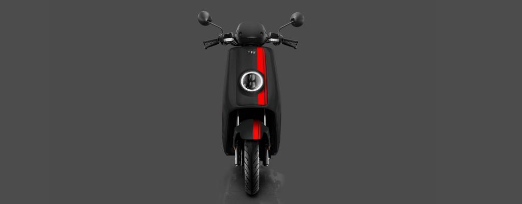 NIU-NQi-GTS-black-background-front-1