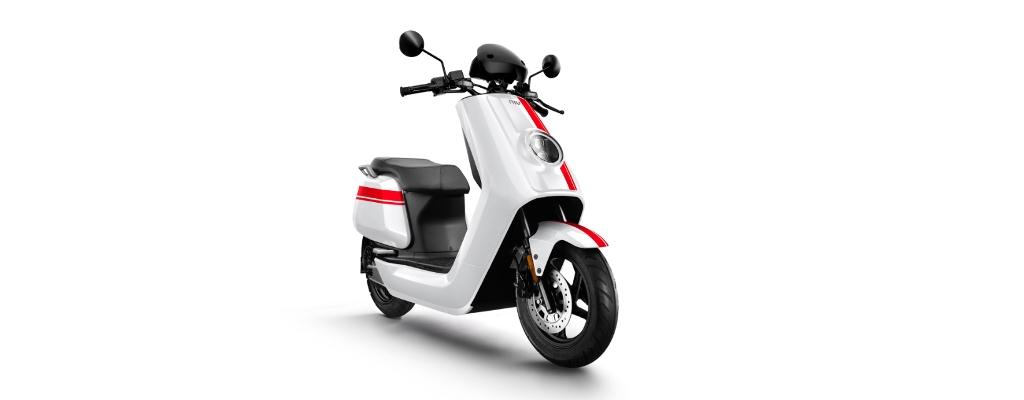 NIU-NQi-GTS-white-background-front-1