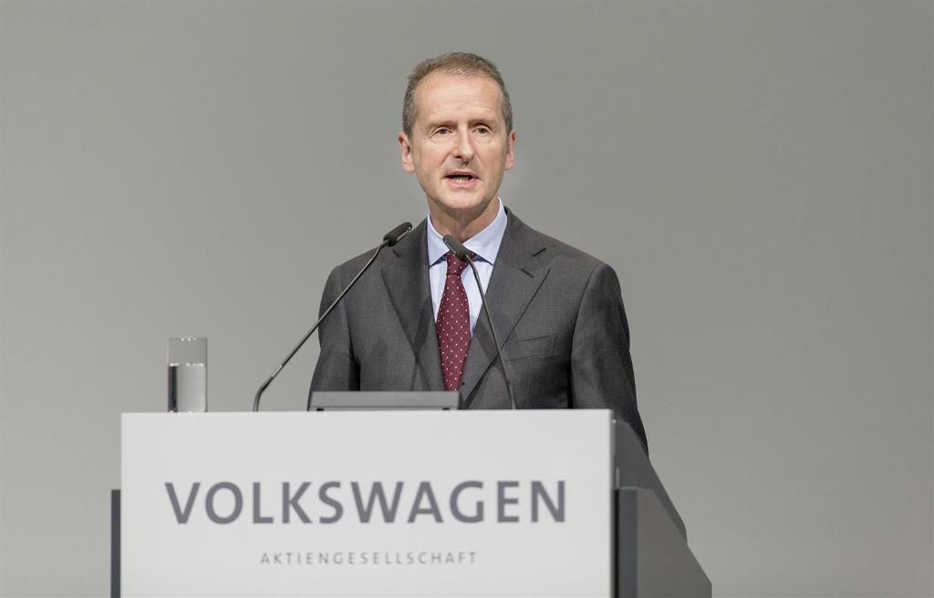 volkswagen_annual_meeting_electric_motor_news_07