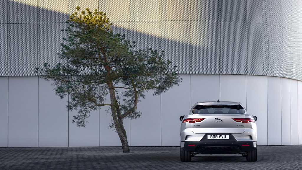 1_jaguar_i-pace_my_2021_electric_motor_news_07
