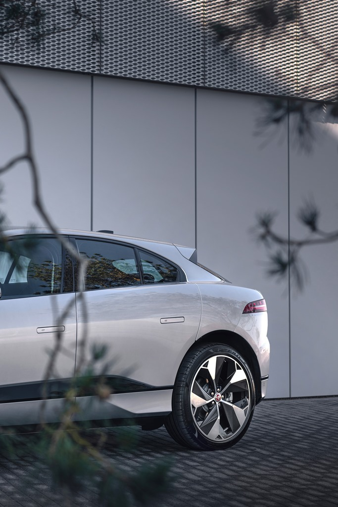 jaguar_i-pace_my_2021_electric_motor_news_20