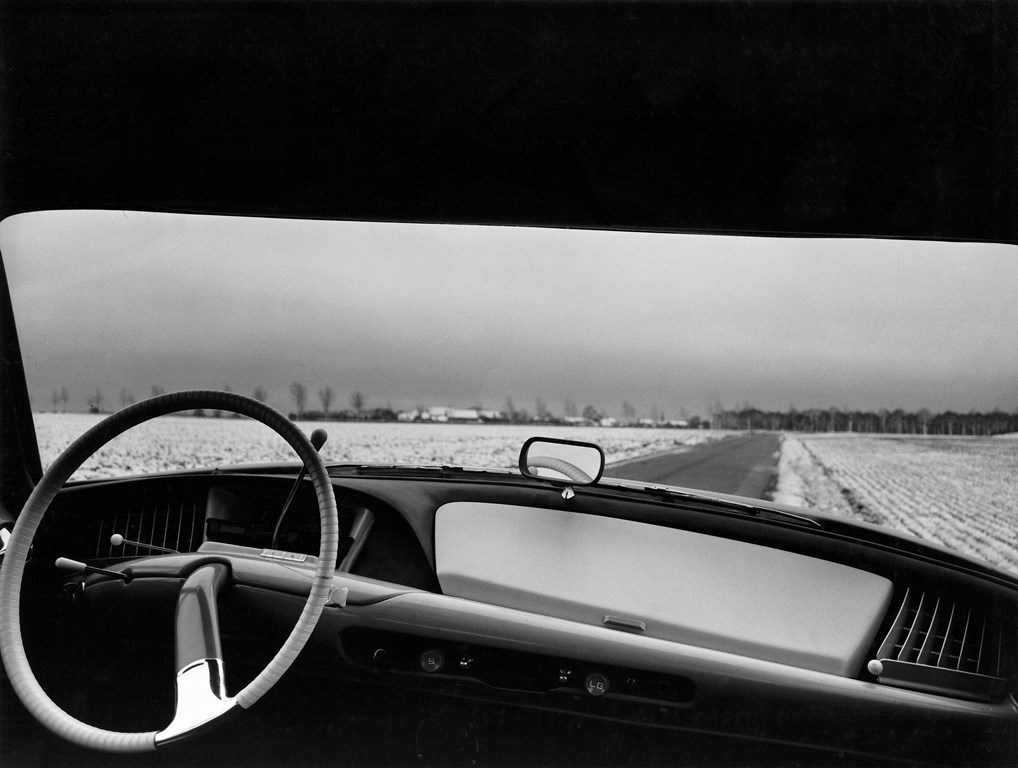 Compie-50-anni-il-progetto-della-nuova-plancia-delle-DS_La-plancia-di-bordo-delle-prime-DS-1955-1960