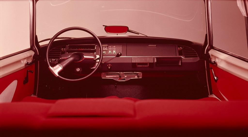 Compie-50-anni-il-progetto-della-nuova-plancia-delle-DS_Plancia-di-bordo-ID19-e-ID20-modello-1969