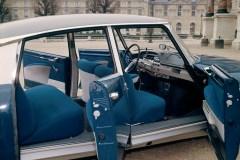 Compie-50-anni-il-progetto-della-nuova-plancia-delle-DS_La-plancia-di-bordo-di-una-DS21-del-1968