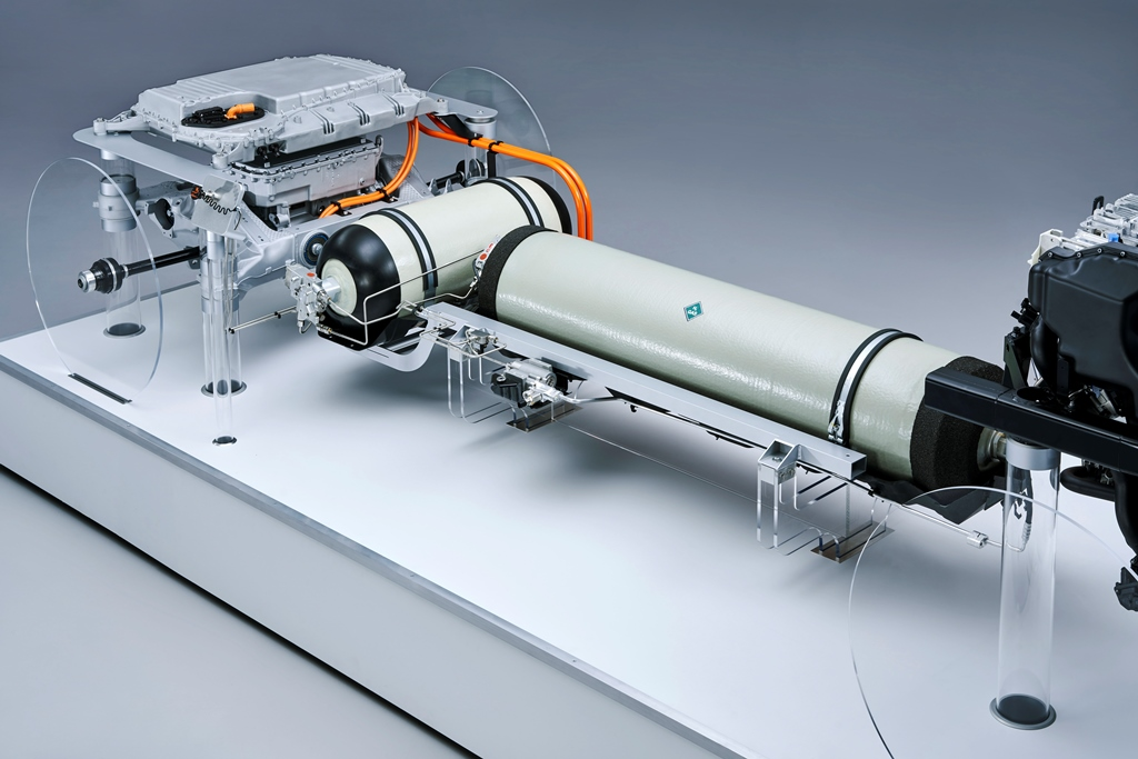 bmw_i_hydrogen_fuel_cell_electric-motor_news_07