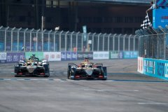 Jean-Eric Vergne (FRA), DS Techeetah, DS E-Tense FE20 leads Antonio Félix da Costa (PRT), DS Techeetah, DS E-Tense FE20 across the line and takes the chequered flag