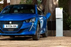 peugeot_e-208_guidare_oggi_il_futuro_electric_motor_news_03
