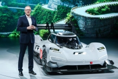 volkswagen_id_r_strada_paradiso_cina_electric_motor_news_02