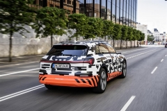audi_e-tron_prototipo_electric_motor_news_11