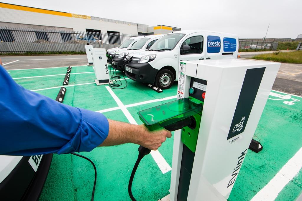 renault_kangoo_ze_leeds_electric_motor_news_10