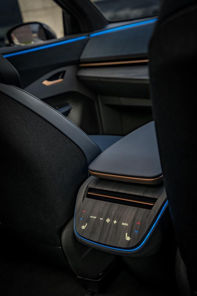 concept_nissan_ariya_electric_motor_news_27