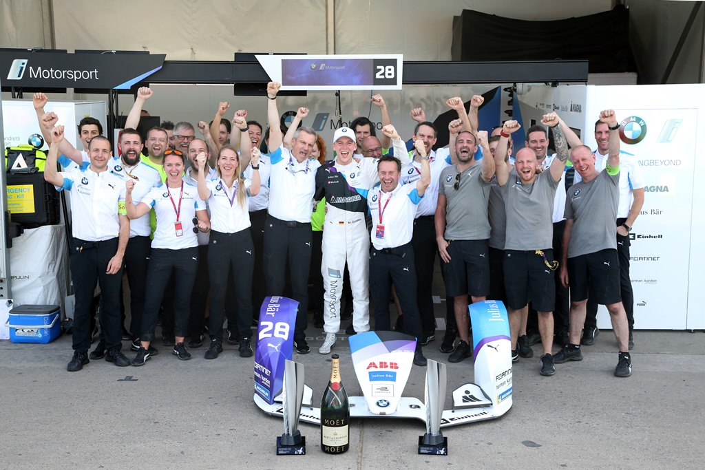 Santiago de Chile (CHL), 16th-18th January 2020. ABB FIA Formula E Championship, Season 6, BMW i Andretti Motorsport, Winner Maximilain Günter (GER), Roger Griffiths (GBR) Team principal, Jens Marquardt (GER) BMW Motorsport Director and Team BMWi Andretti Motorsport winner group pictures.