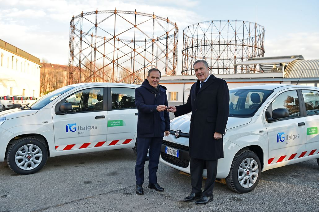 A destra Alfredo Altavilla COO FCA EMEA, a sinistra Paolo Gallo CEO ITALGAS.