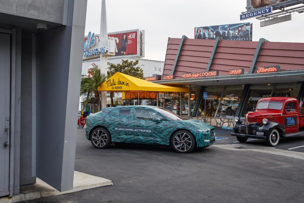jaguar_i-pace_ride_electric_motor_news_01