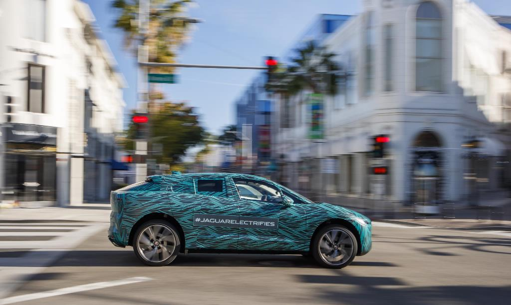 jaguar_i-pace_ride_electric_motor_news_18