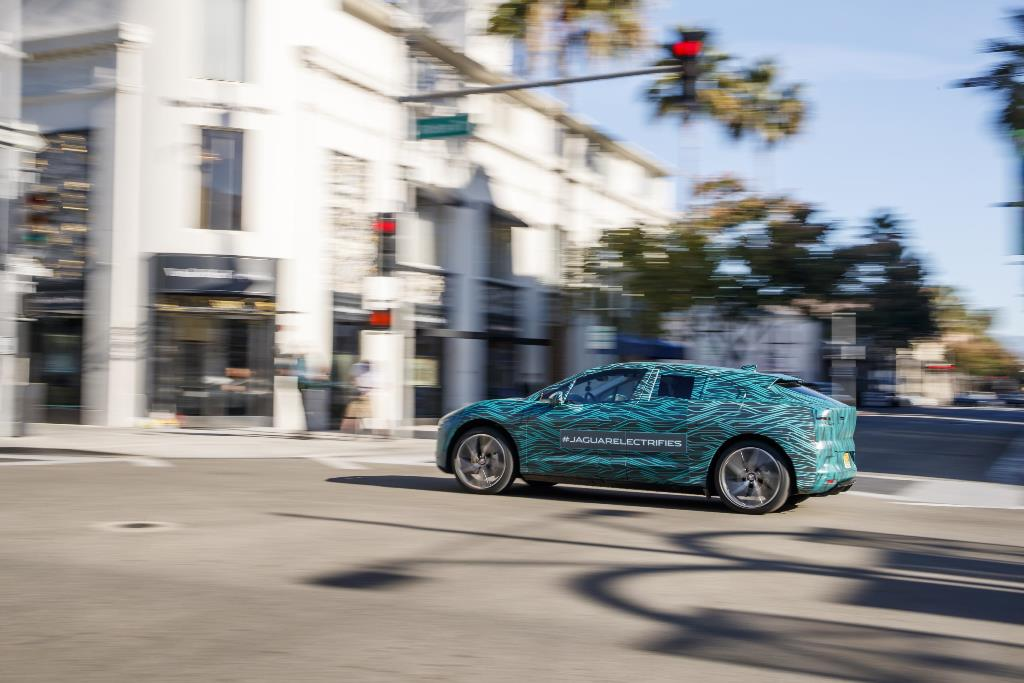 jaguar_i-pace_ride_electric_motor_news_26