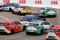 jaguar_i-pace_e-trophy_berlino_electric_motor_news_03