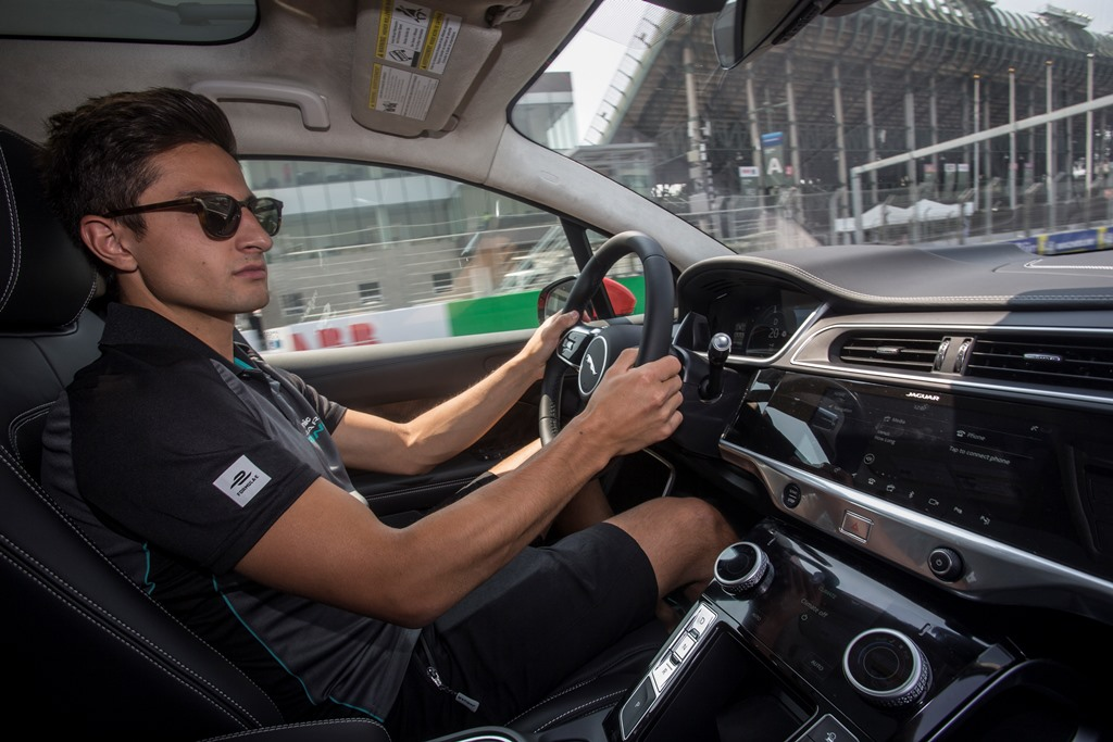Jaguar_I-PACE_Tesla_Model_X_electric_motor_news_05